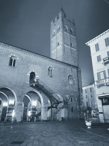 Architecture Built Structure Illuminated Building Exterior Night Outdoors No People Clock Art Sky Italy Like4like Scenics Clear Sky City Architecture Traveling Travel Followforfollow Modern Travelphotography Picture Frame Nikon Blackandwhite Black