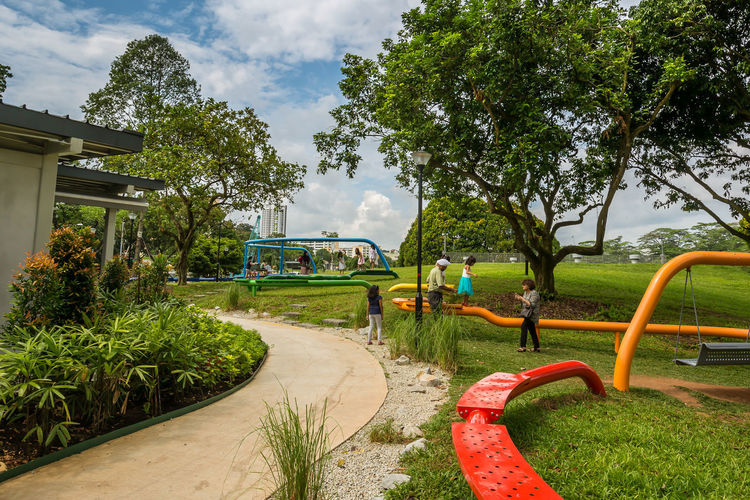 Ribbon Playscape 2 @ Marsiling Park, previously known as Woodlands Town Garden I had a bit of photography fun with this play area back in June 2018. So many swings! :D Bright Colors Public Park Cloud - Sky Day Family Time Hang Out Outdoor Play Equipment Swing