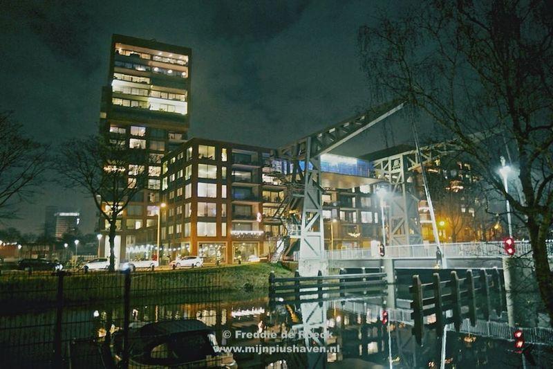 #Ditistilburg foto's van de #Piushaven #havenmeester bij nacht www.mijnpiushaven.nl #Tilburg #PiushavenLeeft Piushaven