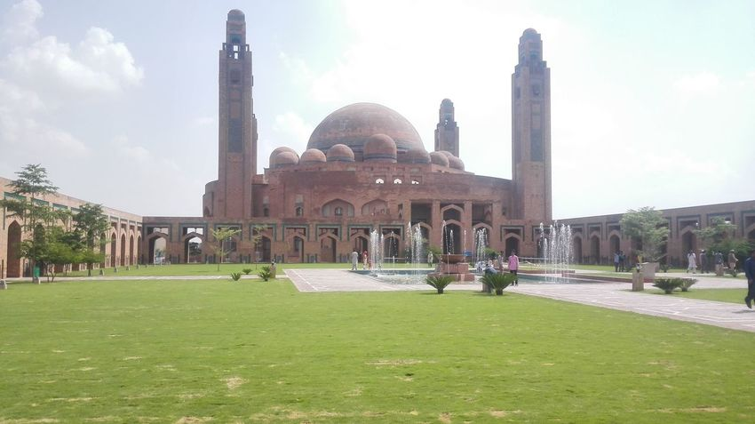 Holly Place Grand Jamia Masjid Masque Beautiful Day Great Architecture  Lahore Bahria Town Pakistan Pivotal Ideas