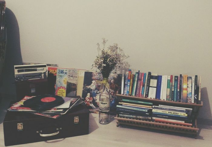 EyeEm Music Lover Records Phonograph Books Daisies Oldtimes Vintage Nostalgia Tchaikovsky Unforgettable