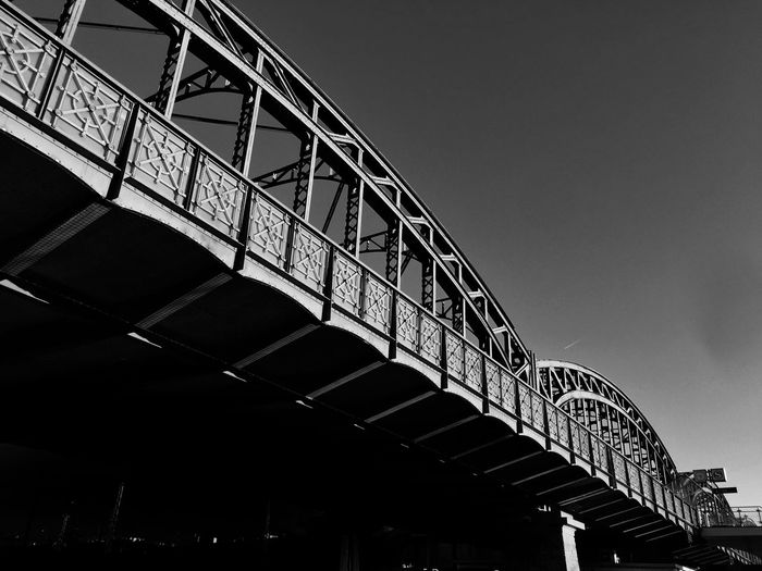 Hackerbrücke München Architektur schwarz-weiß Mit BeDACHt Martina Dach Bridge - Man Made Structure Architecture Low Angle View Built Structure Transportation Connection Sky Outdoors No People Clear Sky Day