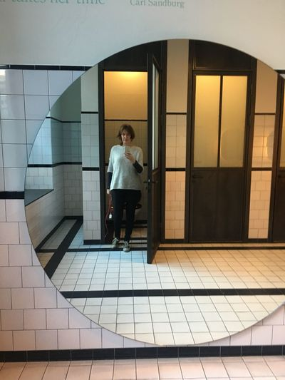 Big mirror Woman Selfıe Picture In The Mirror Architecture One Person Real People Full Length Built Structure Lifestyles Casual Clothing Indoors  People