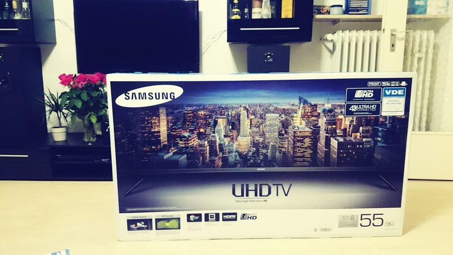 hi Technology BIG Uhdtv Tv