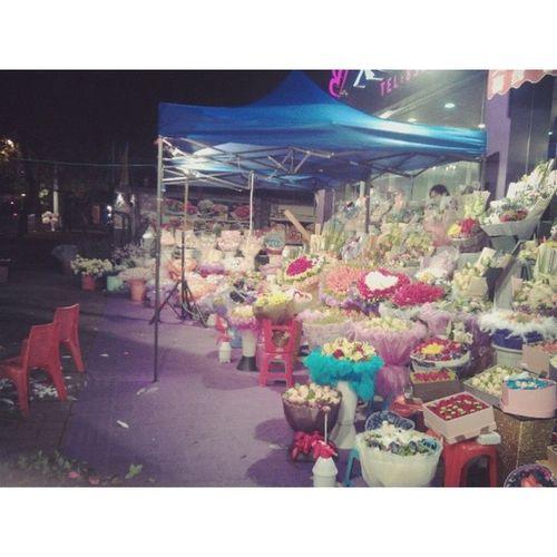 今儿花店最喧嚣 Flowers Shops Valentine 'sday