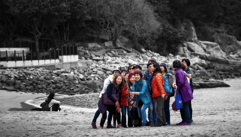 Crowd of Girls taking Selfies Frandi Streetphotography People Selfie ✌ Self Portrait Memories Beach Island Colorsplash The Street Photographer - 2016 EyeEm Awards The Portraitist - 2017 EyeEm Awards
