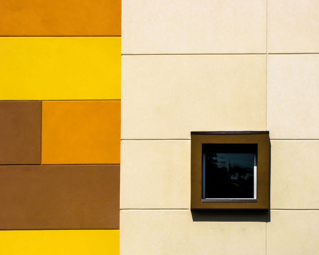 Architecture Backgrounds Close-up Day Detail Full Frame Geometric Shape Minimal No People Repetition Square Shape Tile White Yellow Minimalist Architecture Copy Space The Graphic City 10 17.62°