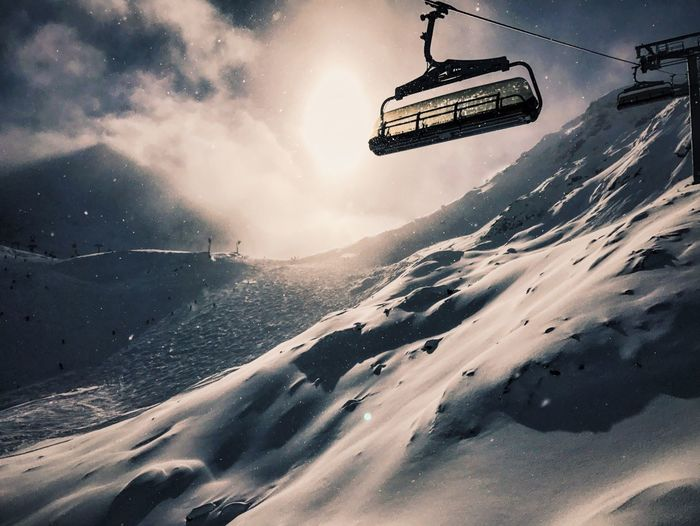 Snow Winter Cold Temperature Weather Mountain Adventure Beauty In Nature Scenics Nature Sky Tranquility Outdoors Mountain Range Tranquil Scene Vacations Extreme Sports Ski Lift Overhead Cable Car Day No People