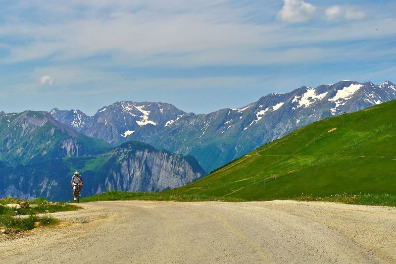 Q Qual Uphill Lonelybiker Bikingphoto Bikeride
