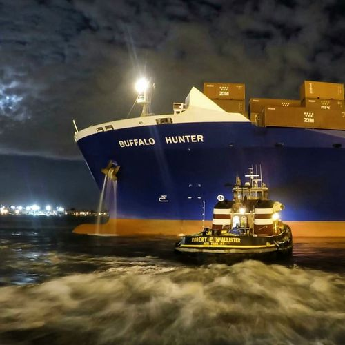 Learn & Shoot: After Dark Portnewark Portlife Longshoremen containership