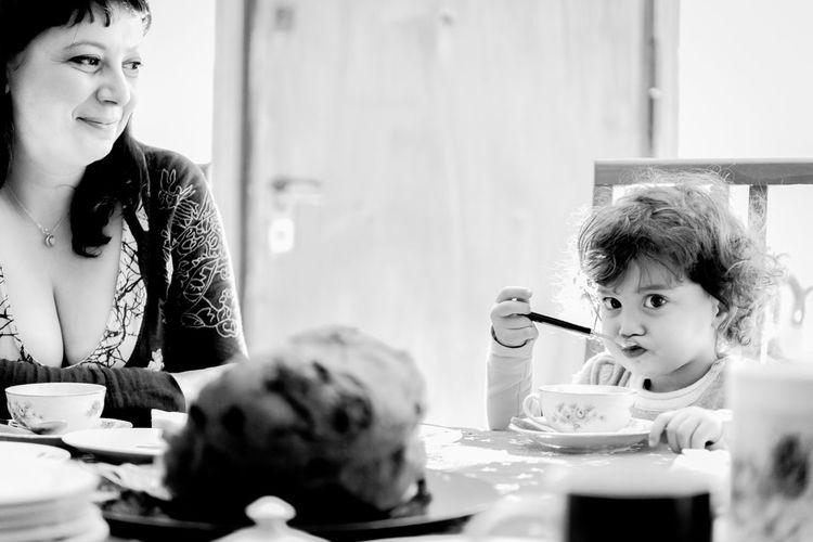 Blavk And White Baby Family Shooting Breakfast New Year