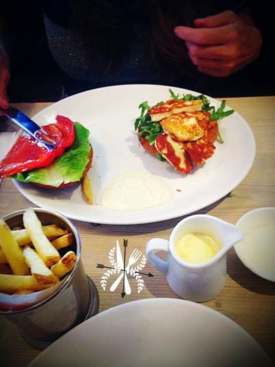 halui cheese hmburger food restaurant vegetarian plats morwich bill's
