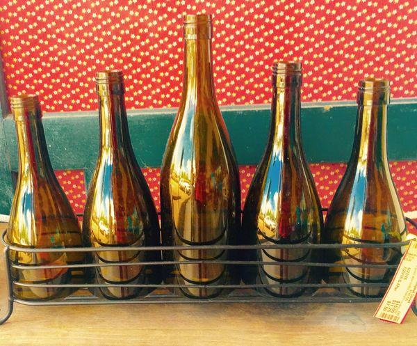 Golden Moments 43 Bottles Of Golden Vino For Your Good Taste Symetrical Golden Bottles