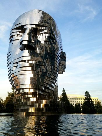 David Cerny Metalmorphosis Psychological Selfprotrait Czech Mirror Charlotte North Carolina USA Kinetic Sculpture