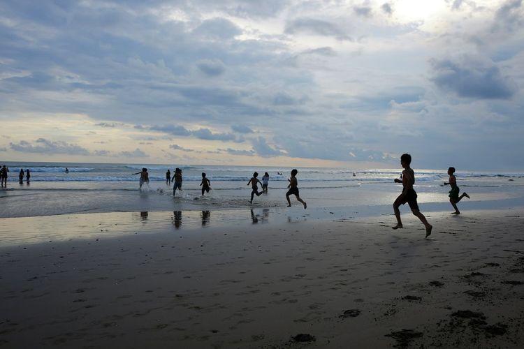 Beach Beachphotography Children Running Seminyak Fujifilm Bali, Indonesia Peopleandplaces People And Places