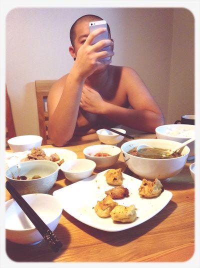 Vượt qua thử thách của Đại béo:ăn hết mâm cơm và ở nhà hết tháng này,ko đc đi chơi;))