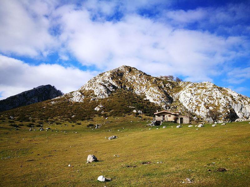 Nature No People Day Sky Covadonga Covadonga Lagos Asturiasparaisonatural Asturias , Spain Asturiasgrafias Asturiasgram Senderismo Asturies Mountain Ecosystem  Asturias Paraiso Natural🌿🌼🌊🌞 Nature Bosque Y Vida Agua Bosque Magico Tree Drop