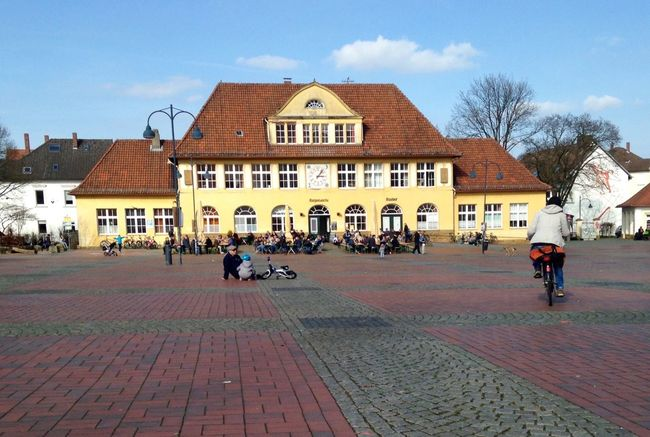 Bielefeld siggi Built Structure Building Exterior Architecture Street Transportation House Sky Day Façade In Front Of Person Outdoors Paving Stone City Life Town Town Square