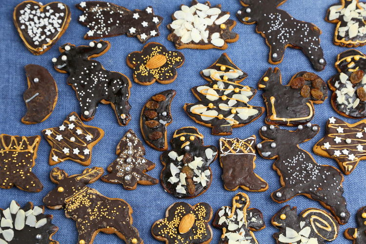 Christmas Cookies Gingerbread Homemade Food Decoration Colorful Colors Sweets Sweet Handmade Blue Background Textured  Art And Craft No People Close-up Indoors  Full Frame Large Group Of Objects Representation Jewelry Backgrounds Still Life Pattern Creativity Gold Colored Variation Design Human Representation Choice Abundance Luxury Silver Colored Chocolate