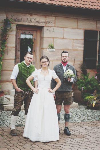 Outdoors Portrait Love Real People Wedding Hochzeitsfotografie Model Friend Liebe Fun Brauchtum Rocknroll