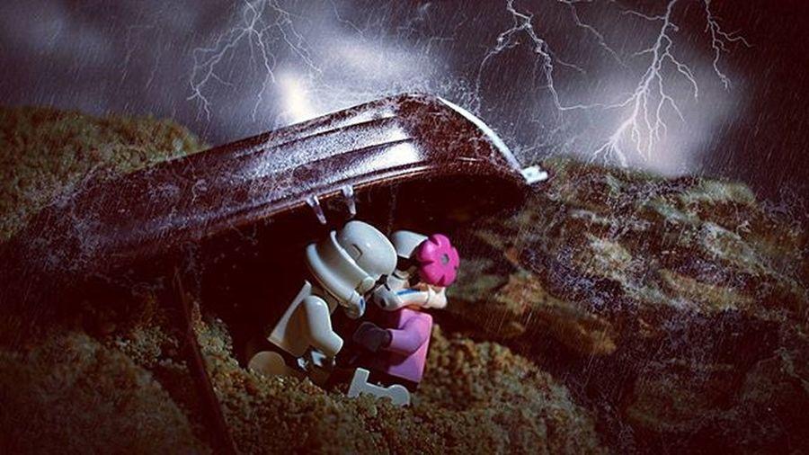 ⚡💏⚡ ----------------------------------------- Starwars Stormtrooper TheForceAwakens Starwarsdaily Photooftheday Bestpicture Photoshoot Toygroup_alliance Toys Instalike Instagood Instadaily Instalove LEGO Toydiscovery Toyslagram Picoftheday Ig_bogota_ Instapic Instaphoto Justanothertoygroup Kiss Love Storm Toyphotography epictoyart bepopular monday legostarwars ig_santanderes