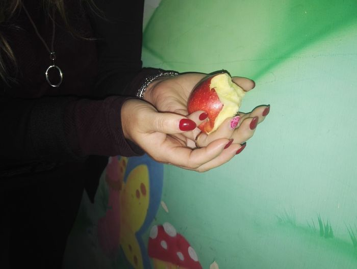 Human Body Part Human Hand Fruit Healthy Eating Multi Colored Apple - Fruit Biancaneve