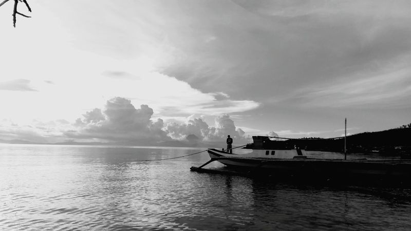 Creative Light And Shadow Paglalayag Life Of A Seaferrer Simple Living Hardworking Proud Happylife Contented Fearless