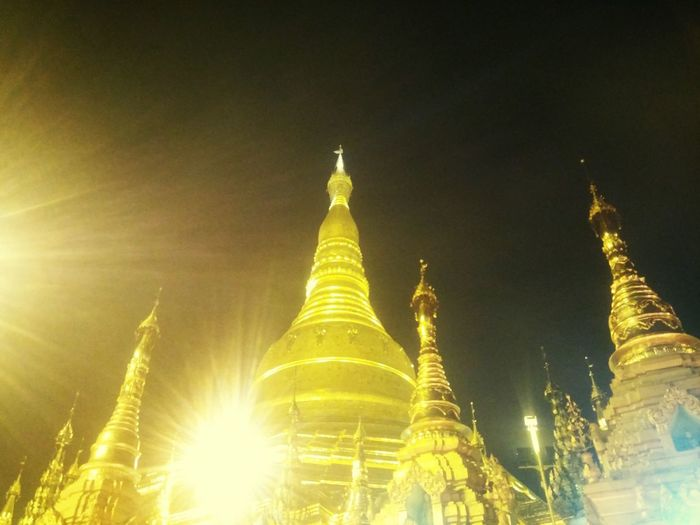 Crowd 👫👪 Feel Peace ☺💭🙇 Our Golden ShweDagon Pagoda👏🙏 @fullmoon Day Of Thadingyut✨🌕⭐