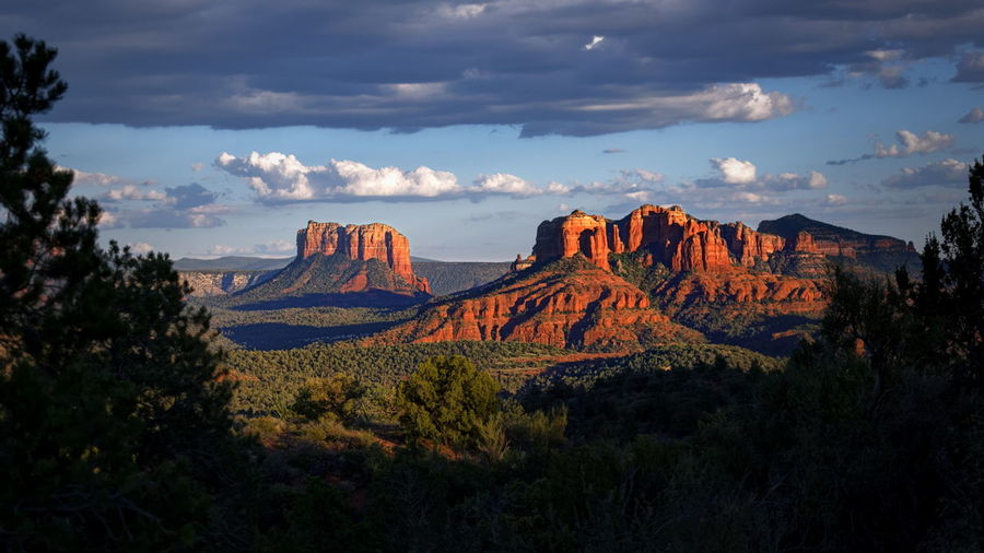 Dramatic sunset over the red rocks of Sedona, Arizona Arizona Clouds Dramatic Landscape Dramatic Sky Landscape Majestic Mountain Nature Outdoors Panorama Red Rocks  Redrocks Scenics Sedona Sedona, Az Sky Tourism Travel Destinations