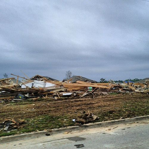 So sad. Prayers for families affected by the tornado! Moore Oklahoma Home Prayformoore sosad