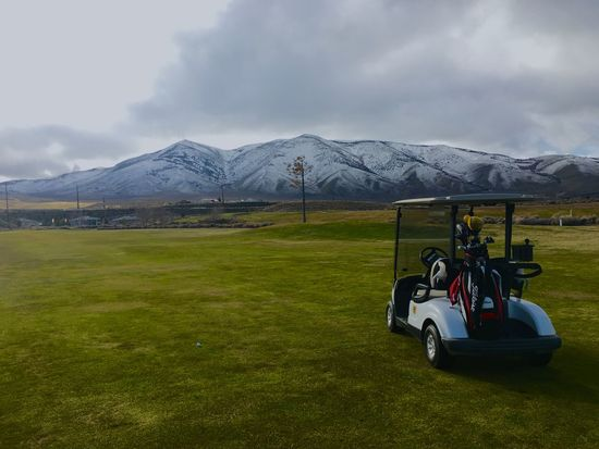 Playing golf, it's 35 brrrr ....diehard golfer Check This Out Hello World Hi! Taking Photos Smile Clouds And Sky Landscape Snow Solo Golfing Quality Time That's Me Be Happy Beautiful Surroundings Having Fun Photos Around You Eye'Em Friends!! Check This Out Peaceout