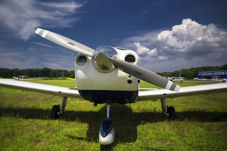 4 Seater Airplane Air Vehicle Airoplane Airoplane Collection Airplane Airplane Details Airplanes Archer Blue Sky Blue Sky White Clouds Cloud - Sky Day Sky Transportation