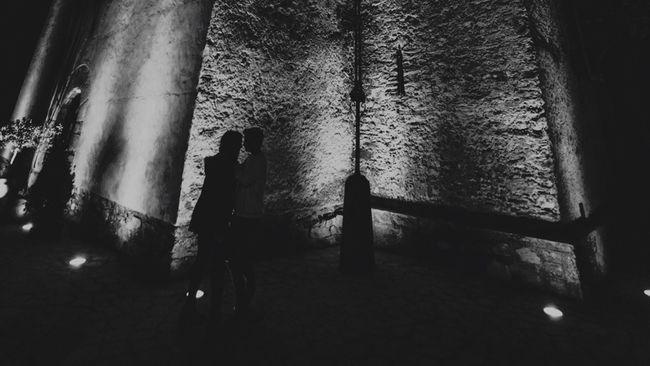Kiss Andorra Nightphotography Blackandwhite Streetphotography