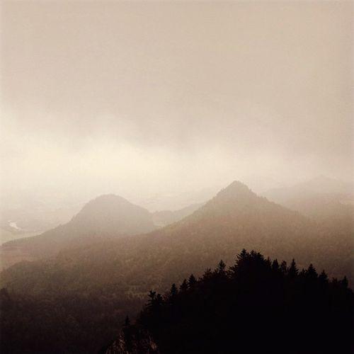Pieniny przywitały mgliście ale ciepło ... Mountain Fog Loves_Poland Lubiepolske lovespoland sun holiday wolne urlop travel loves_travels mysterius igerspolska dailyphotoz