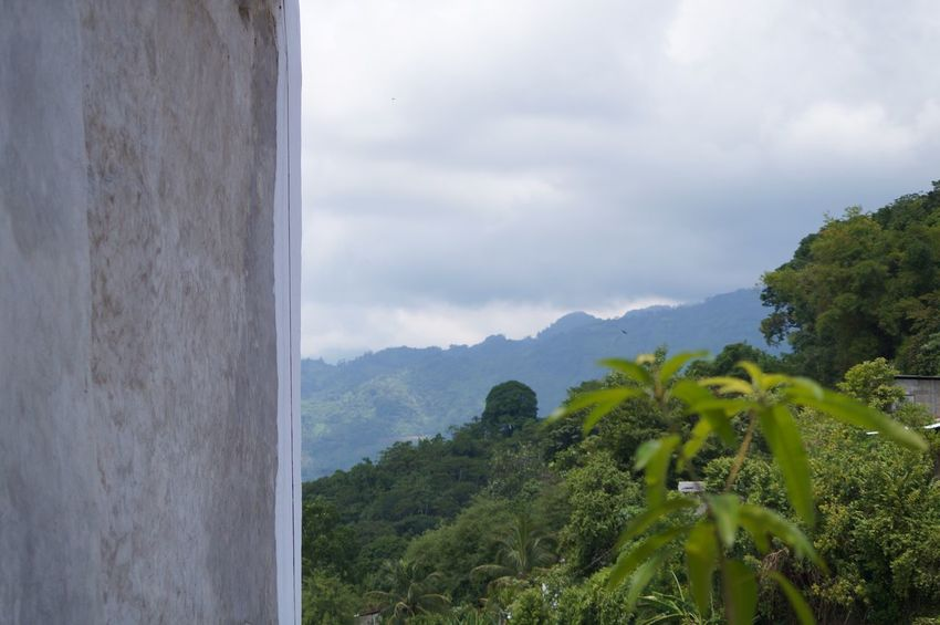 #pueblomagico #tapijulapa #wall Beauty In Nature Cloud - Sky Day Landscape Mountain Mountain Range Nature No People Outdoors Scenics Sky Tranquil Scene Tranquility Tree