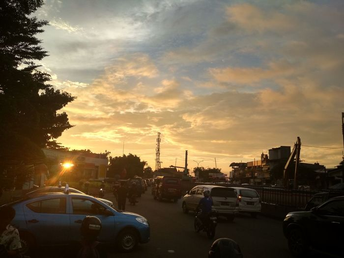 Adventures In The City City Sunset Car Sky Cloud - Sky