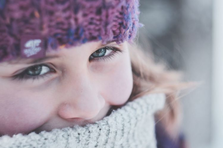 In Your eyes Happiness Exceptional Photographs LenaM Poland Rzeszów Warm Clothing Portrait Beautiful Woman Young Women Beauty Winter Cold Temperature Looking At Camera Headshot Human Eye Eyelash Iris - Eye Eye Color Snowflake