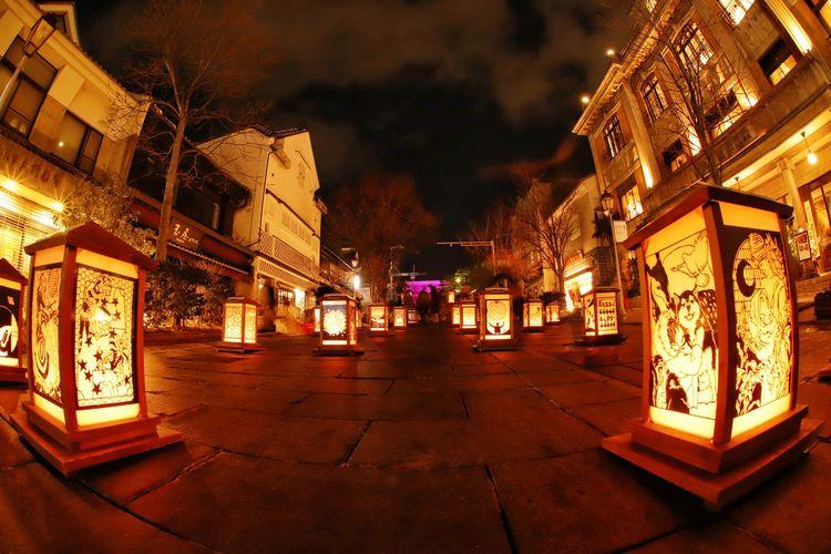 今日が最終日の長野灯明まつり🎵雪景色が楽しめそう⛄行かないけど😝 善光寺 (zenko-ji Temple) 長野灯明まつり 一目惚れんず Night Illuminated Christmas Lights Market City Outdoors Architecture