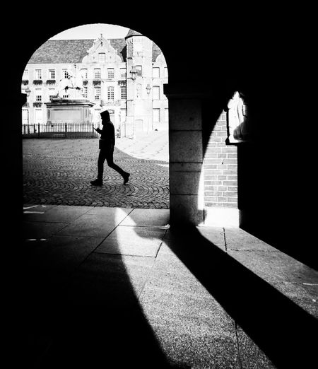 Bogen Blackandwhite Streetphotography Street Photography Streetphoto_bw Black And White Black & White City Full Length Shadow Silhouette Arch Architecture Focus On Shadow Gate Entryway