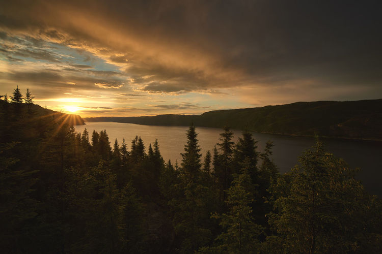 The sunset Quebec Beauty In Nature Cloud - Sky Idyllic Lake Mountain Nature No People Outdoors Reflection Scenics Sky Sunset Tranquil Scene Tranquility Tree Water