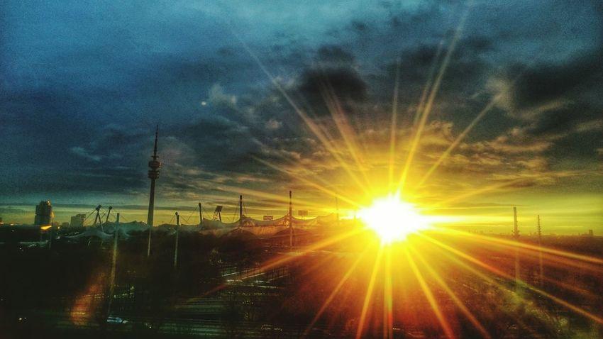 Getting Inspired Sunrise Enjoying Life Sony Xperia Z3 Skyporn Good Morning Skyline HBoB Officeview