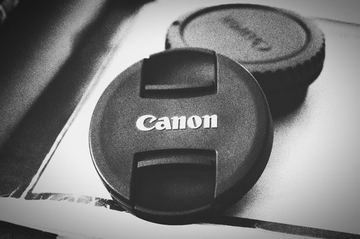 What I had done when I bought my new reflex 😹 Canon Canon 70d Taking Photos Good Times Canon Macro Canonphotography Noir Monochrome Blackandwhite Monoart Happy Dream Passion Photographer
