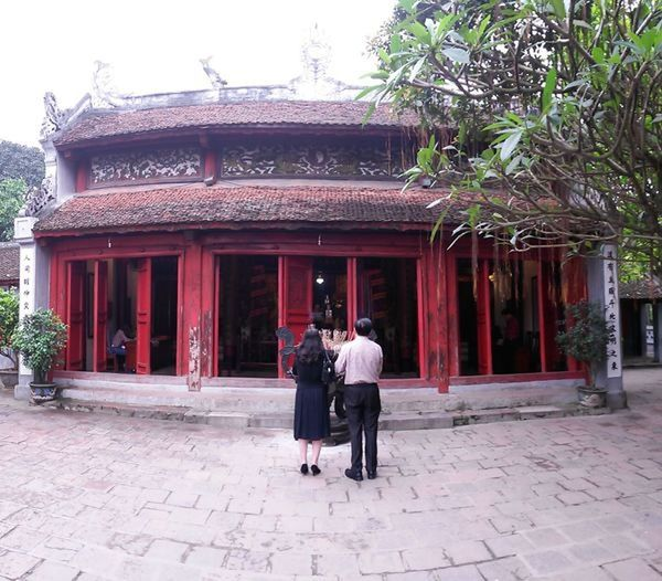 Adult Architecture Building Building Exterior Built Structure Couple - Relationship Day Full Length Hanoi Vietnam  Lifestyles Men Nature Outdoors People Plant Real People Rear View Temple Togetherness Tree Walking Women