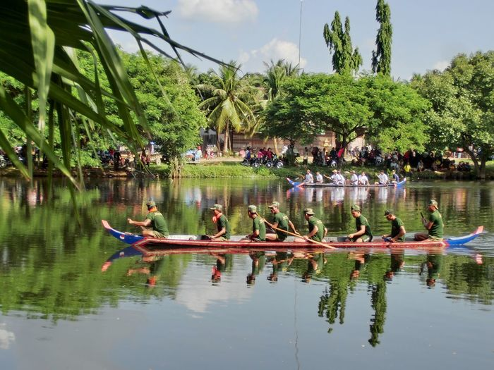 Banteay Chhmar Boats In The Jungle Cambodia Dragon Boat Dragon Boat Race Jungle Soldiers Rowing Temple Moat