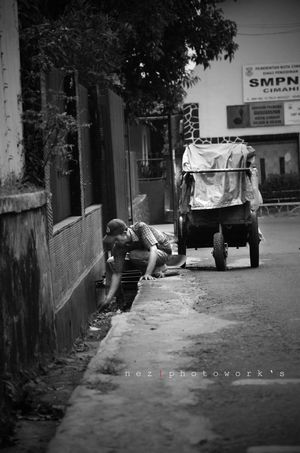 43 Golden Moments Streetphotography Photooftheday Samsung First Eyeem Photo EyeEm Best Shots Feel The Journey Photography Walking Around Bw Bandung, West Java Bandungjuara Bandungcity