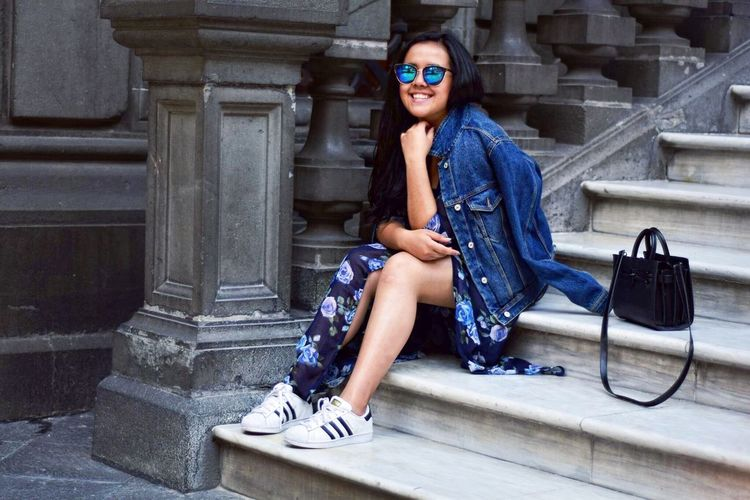Smile Woman Streetphotography Enjoying Life Girl Fashion Fashion Photography Smile Street Fashion People And Places