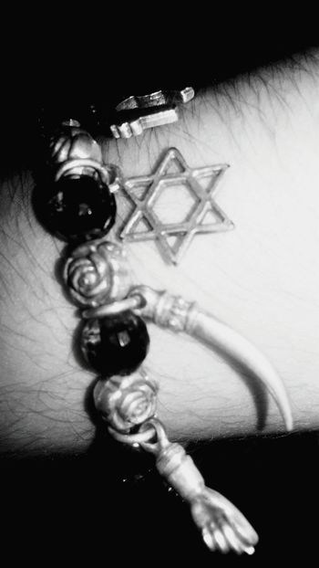 Charm Bracelet Star Horns Taking Photos Black And White Photography Eye4photography  Light And Darkness  EyeEm Best Shots Nature Photography Darkness