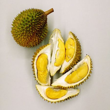 Thorny delight... Durian Durians KingofFruits Thorns Yummy Minimalism Golden Foodporn