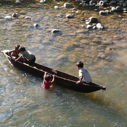Canoe And Water Children Of The World Ecuadorturistico South America Nature Children Having Fun In The Summertime
