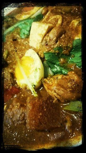 顔を出し始めて十数年目にして初めてたまたま開店待ちをした。 Curry Rice Spiceworld Eating Chiken Delicious!! :D